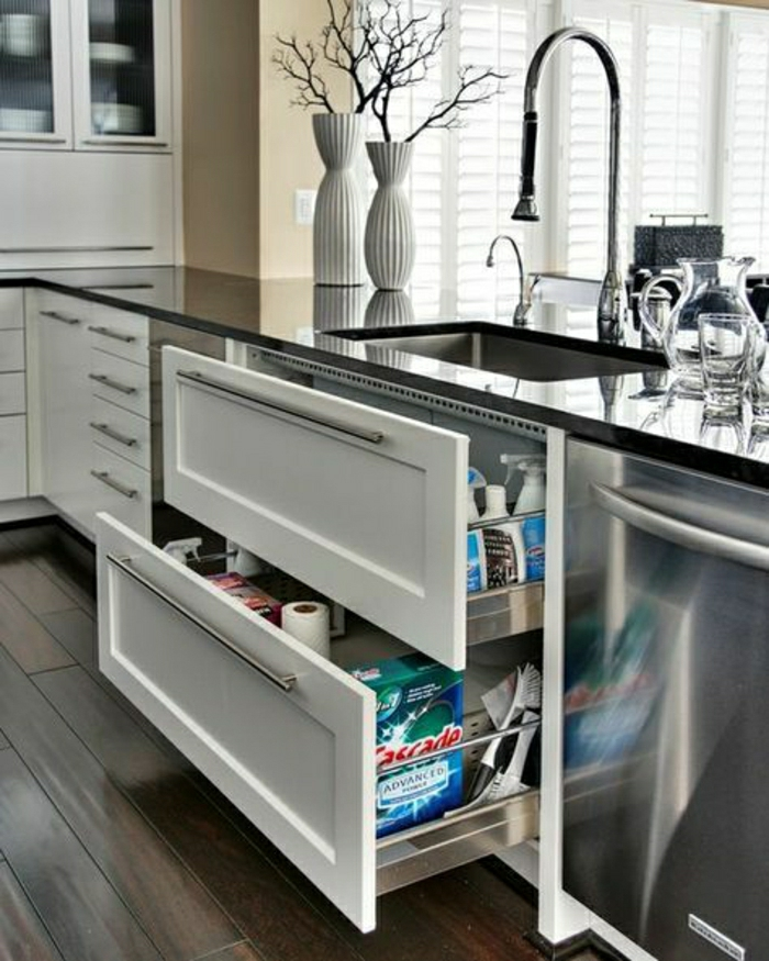 évier-de-cuisine-évier-franke-meubles-sous-evier-sol-en-parquet-foncé-meubles-de-cuisine