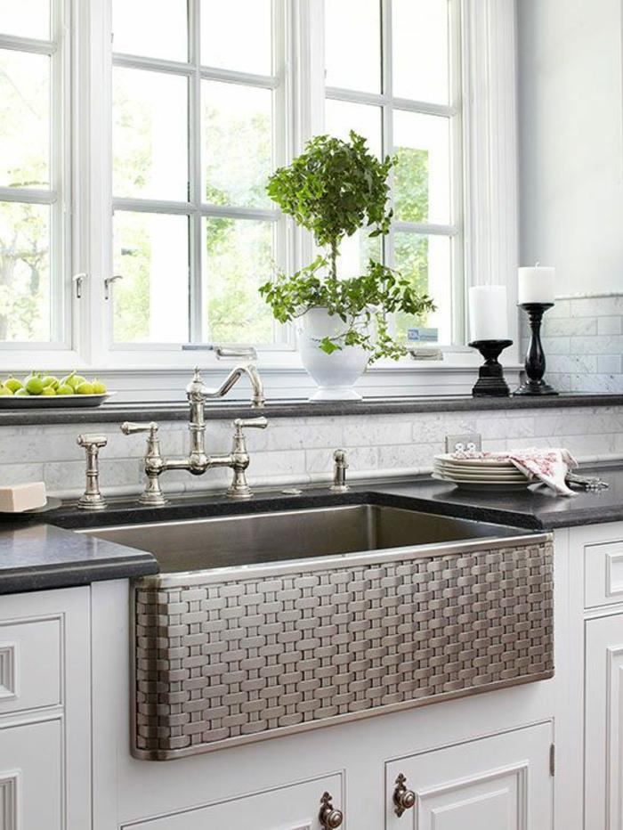 évier-leroy-merlin-gris-meubles-de-cuisine-blancs-fenetre-grande-dans-la-cuisine-moderne