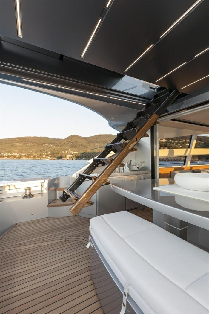 0-bateau-yot-le-ponant-voilier-exterieur-de-luxe-sur-le-ponant-voilier-de-luxe