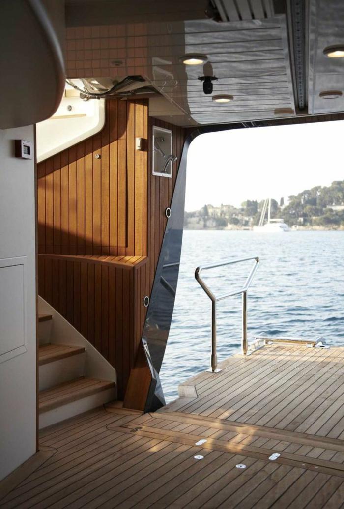 0-bateau-yot-le-ponant-voilier-yaute-bateau-luxe-dans-le-mer-bleu-jolie-vue