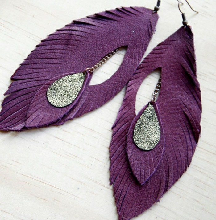 0-boucle-d-oreille-pendante-en-cuir-violette-imittant-plume-de-paon