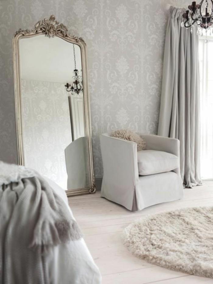 0-design-guild-papier-peint-gris-canape-beige-tapis-blanc-sol-en-bois-beige