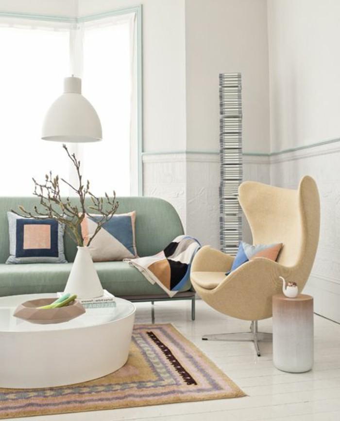 0-fauteuil-relax-conforama-beige-dans-le-salon-moderne-tapis-coloré-canape-bleu-clair
