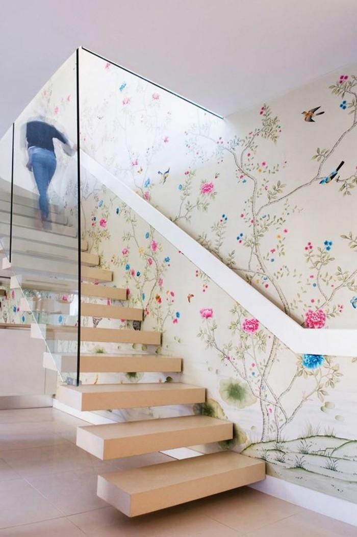0-joli-design-de-papiers-peints-design-guild-pour-le-couloir-escaier-en-bois-clair