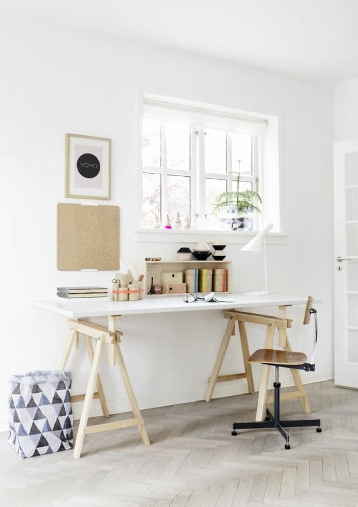 0-jolie-chambre-office-space-bureau-en-bois-clair-lampe-de-chevet-leroy-merlin-pour-le-bureau