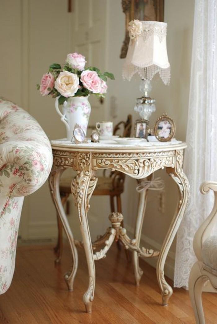 0-meubles-shabby-chic-pour-le-salon-meubles-gustaviens-tapisserie-kitch-dans-le-salon