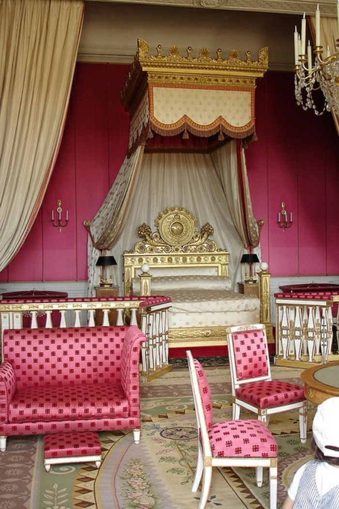 La chambre style baroque nos propositions en photos - Meubles de salon pas cher ...