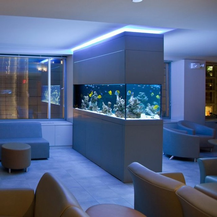 L aquarium mural en 41 images inspirantes for Idee deco salon pas cher