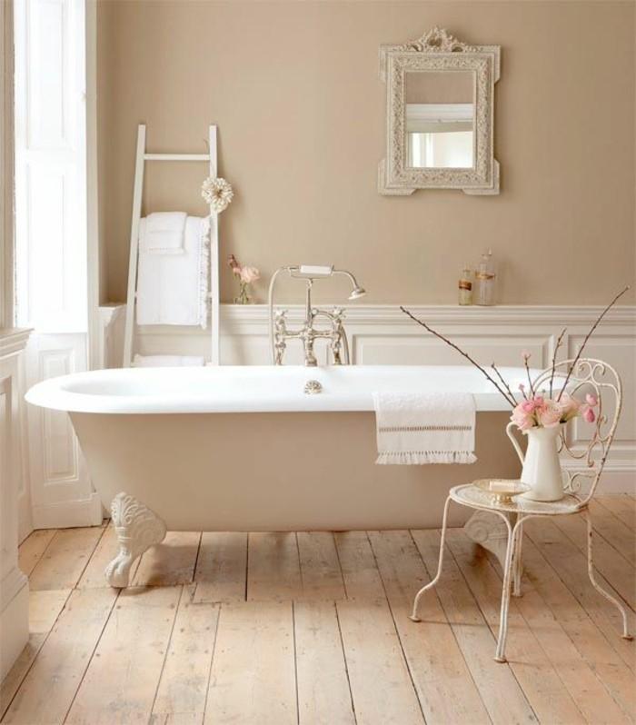 40 photos d 39 int rieur de la baignoire ancienne - Meuble salle de bain romantique ...