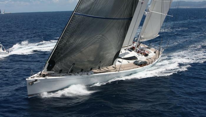00-bateau-yot-de-luxe-yot-luxe-yaute-bateau-yaute-de-luxe-moderne-blanc