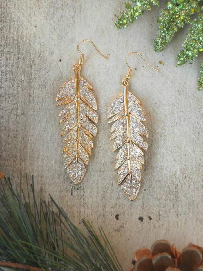 00-boucle-d-oreil-plume-en-or-doré-femme-mode-accessoire-moderne-boucles-d-oreilles
