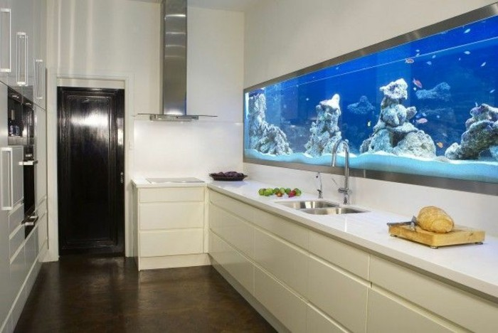 L aquarium mural en 41 images inspirantes for Objet deco design cuisine