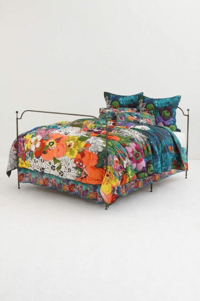 la parure de lit romantique en milles photos. Black Bedroom Furniture Sets. Home Design Ideas