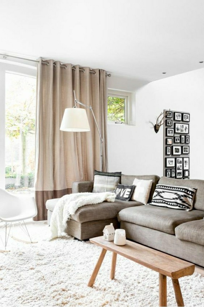 00-salon-tapis-beige=canape-beige-meubles-de-salon-association-couleur-taupe-tapisserie-taupe