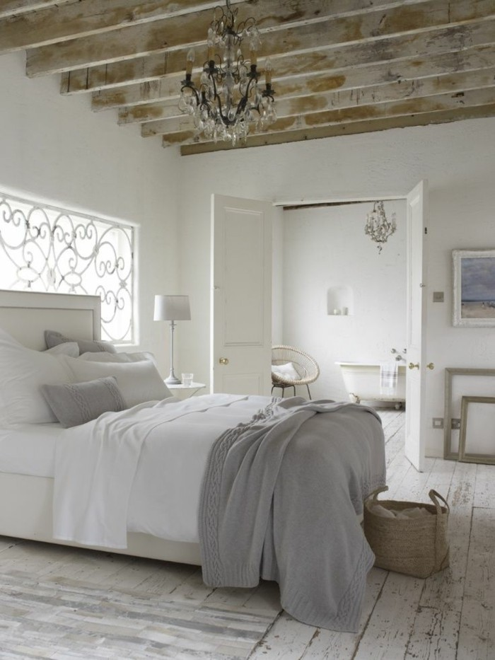1-chambre-a-coucher-shabby-chic-meuble-gustavian-tapisserie-kitch-patiner-un-meuble