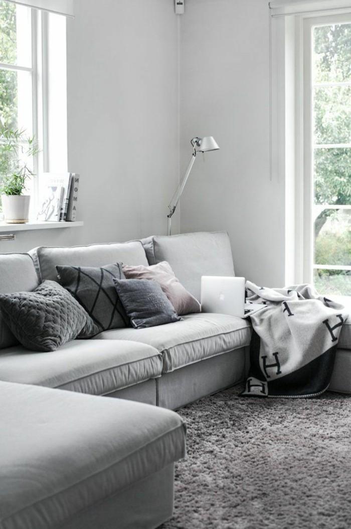 1-comment-bien-amenager-un-salon-chic-canapé-gris-chiné-canapé-d-angle-gris