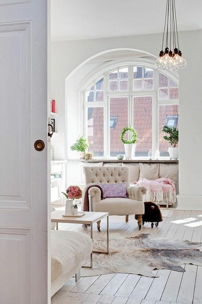 1-fauteuil-relax-conforama-beige-dans-le-salon-moderne-tapis-peau-d-animal