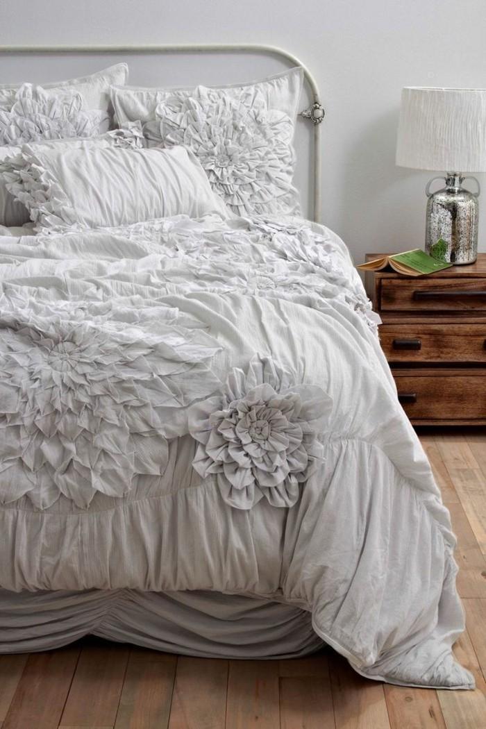 1-jolie-parure-de-lit-160x200-parure-de-lit-romantique-de-couleut-gris-lit-en-fer-forgé