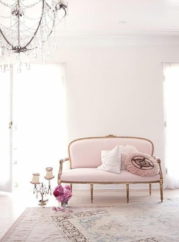 1-meuble-gustavian-tapisserie-kitch-meubles-roses-pales-joli-salon-baroque-moderne