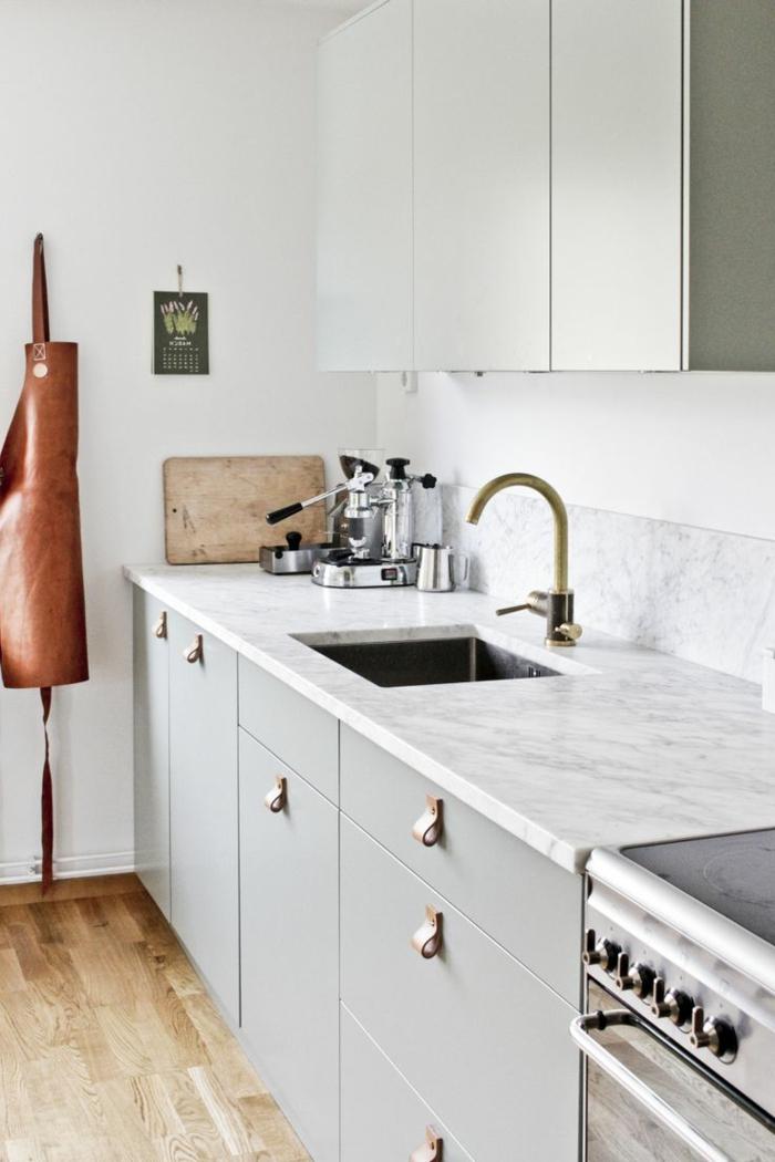 beaucoup de variantes d 39 vier de cuisine en photos. Black Bedroom Furniture Sets. Home Design Ideas