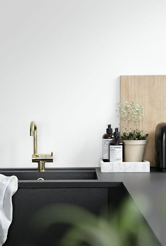 2-0-évier-leroy-merlin-design-meuble-moderne-pour-la-cuisine-moderne-credence-noir