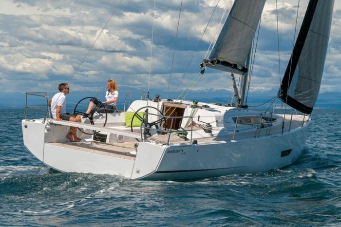 2-bateau-yot-de-luxe-yot-luxe-yaute-bateau-bateau-de-luxe-moderne-yaute-bateau