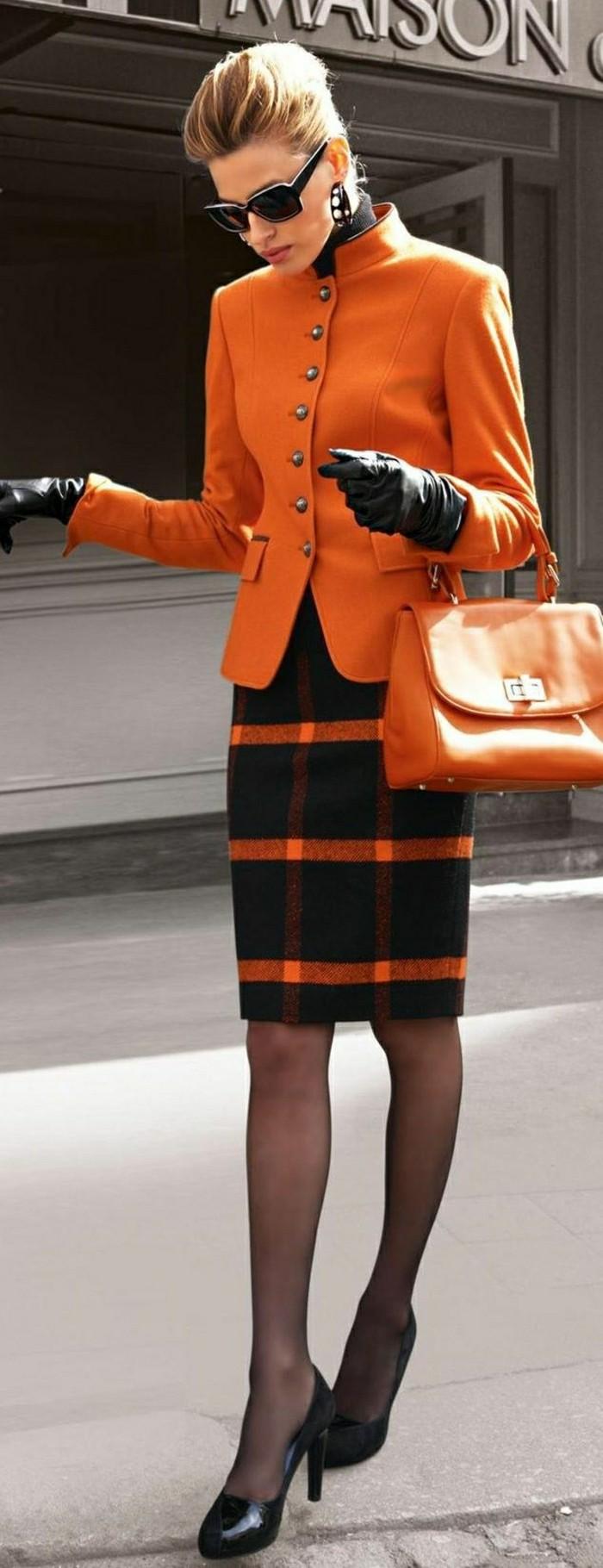 2-design-gant-chauffant-pas-cher-design-cuir-noir-femme-moderne-elegant-gant-cuir-noir