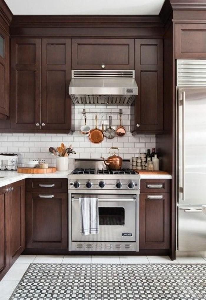 3-cuisine-marron-foncé-repeindre-les-meubles-de-cuisine-repindre-cuisine-chene