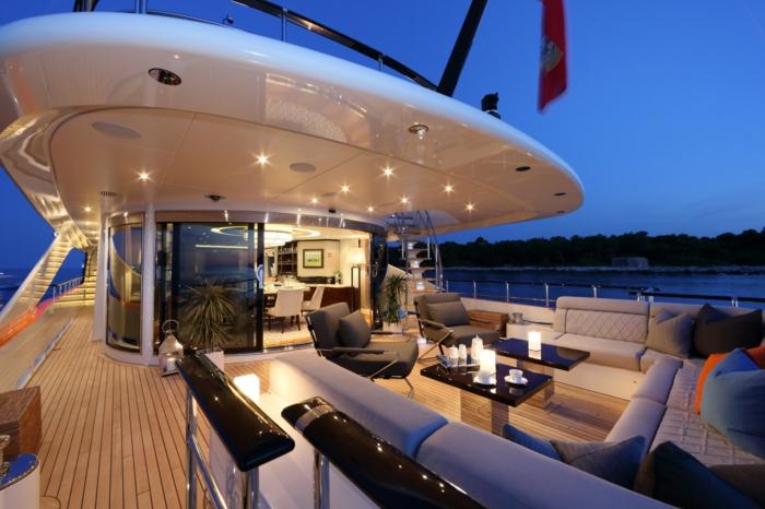 3-exterieur-bateau-yot-de-luxe-yot-luxe-yaute-bateau-exterieur-de-luxe