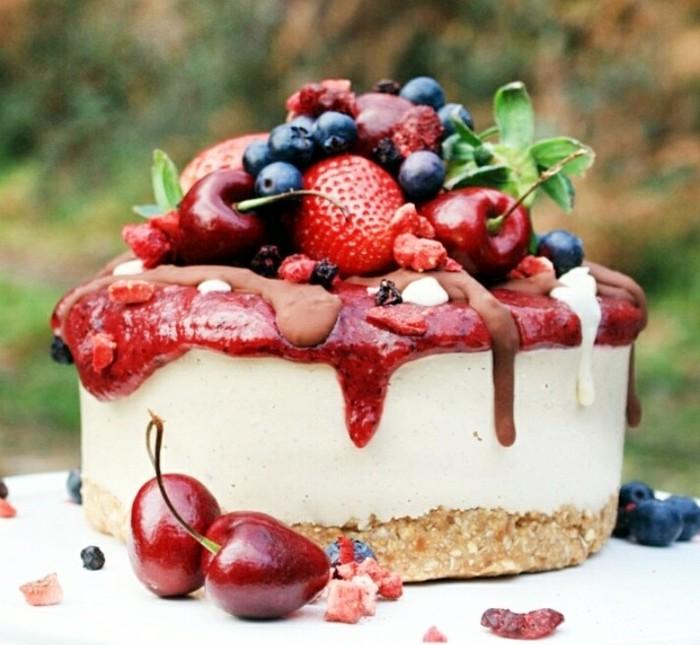 Adorable-image-de-gâteau-photo-gateau-photo-de-gateau-fruits-de-foret