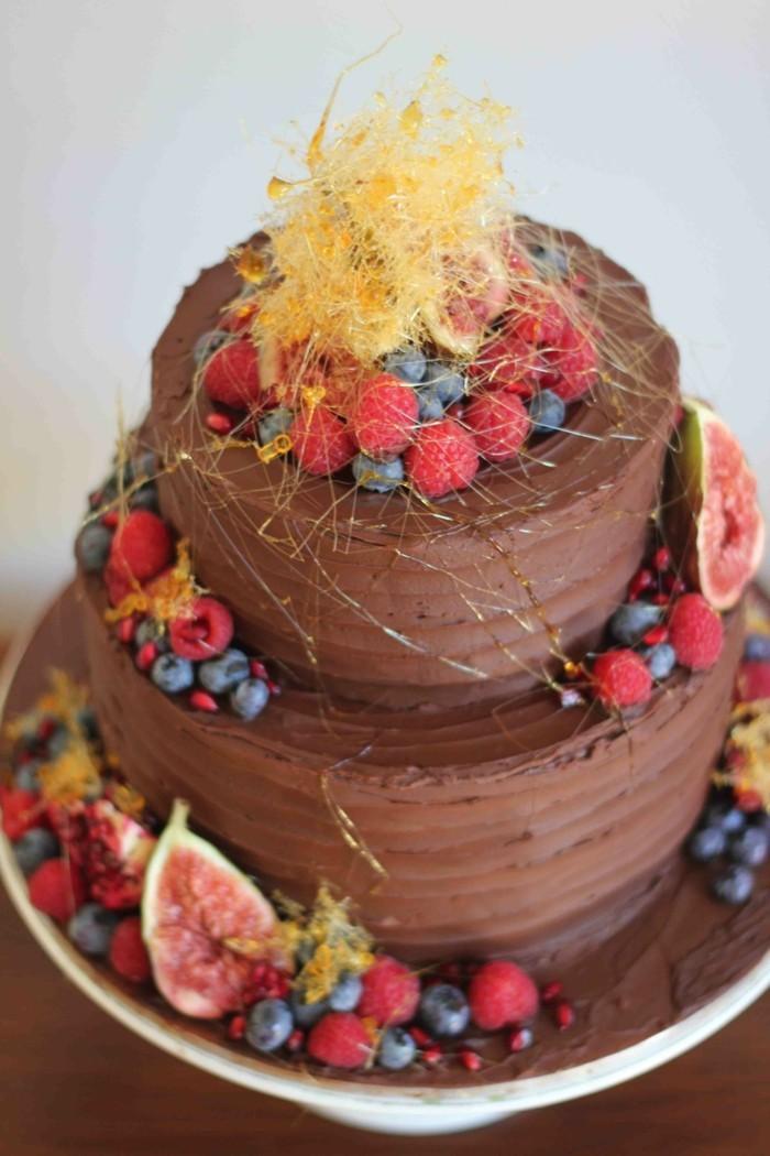 Beau-dessert-image-recette-de-gâteau-au-chocolat-fondant-etages