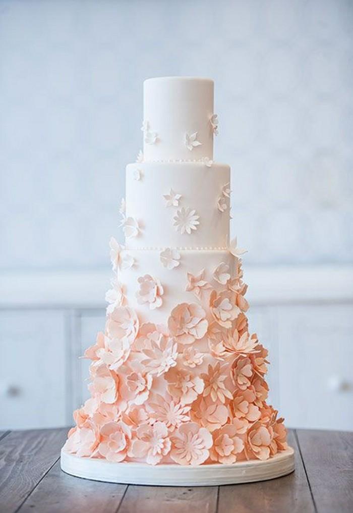 Beau-gateau-anniversaire-images-mariage-en-blanc-fleurs