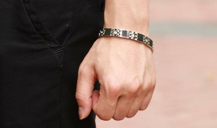Bracelet-acier-homme-bracelet-cuir-homme-argent-gourmette-resized