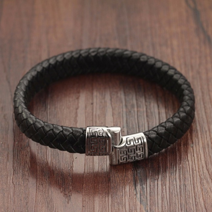 Bracelet-acier-homme-gourmette-homme-argent-bracelet-cuir-homme-resized