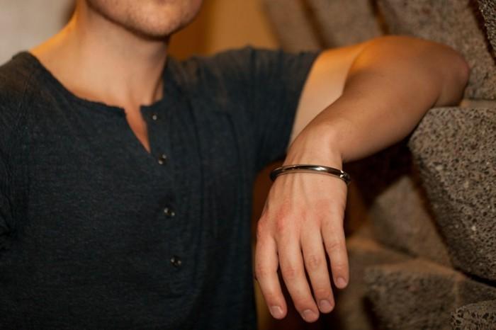 Bracelet-cuir-homme-bracelet-acier-homme-luxe-resized