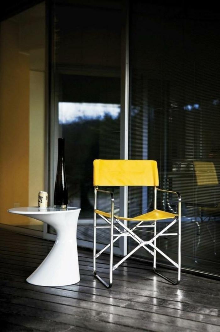 Chaise-table-pliante-table-à-manger-décoration-intérieur-en-jaune