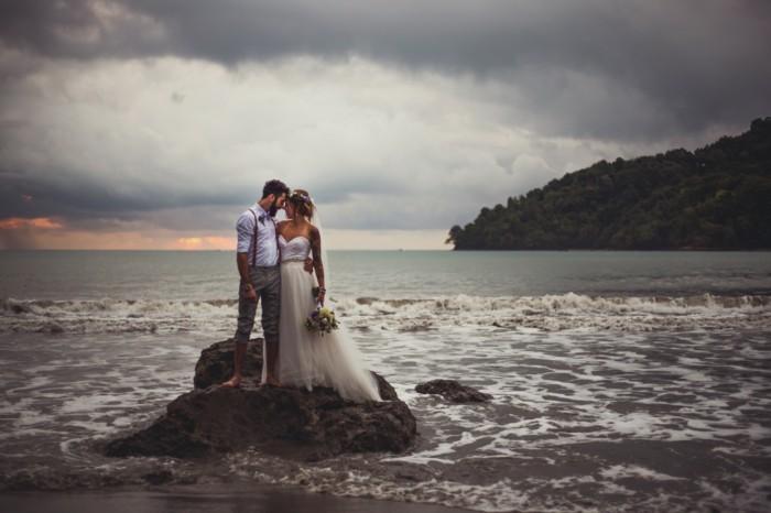 Example-robe-de-marier-robe-mariée-pas-cher-cool-idée-mariage-été