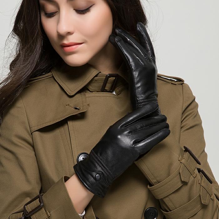 Gants-en-cuir-homme-conduite-luxe-femme-resized