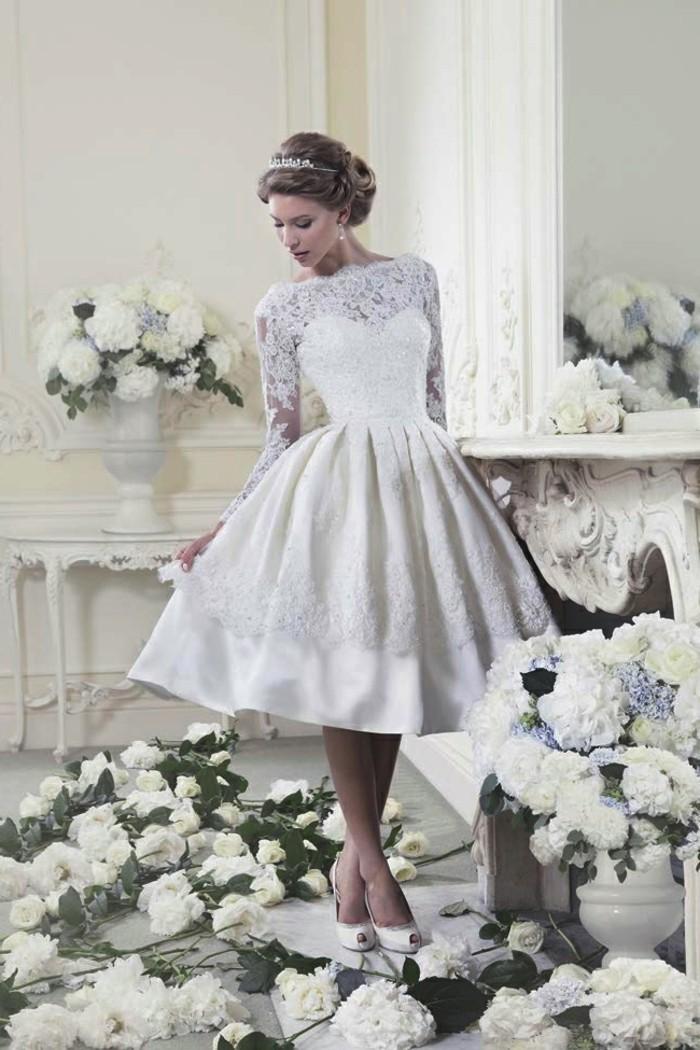 Idée-robe-de-mariée-courte-robe-de-mariée-vintage-robe-marier-fleurs