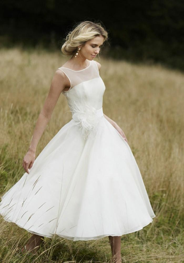 La-robes-de-mariée-pas-cher-robe-mariée-courte-demi-longue