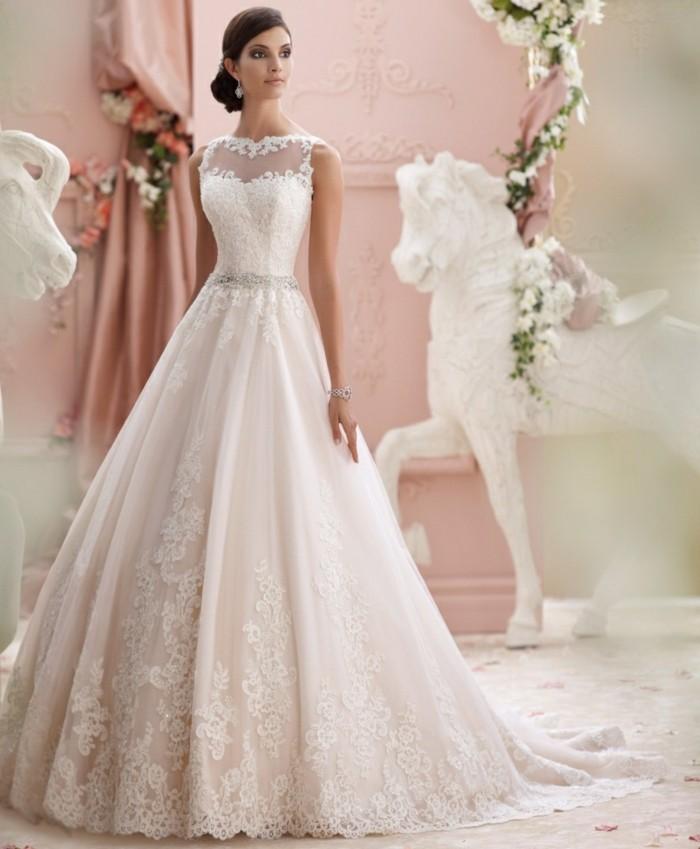 La robe de mari e vintage les meilleures variantes for Robes de mariage du monde de disney