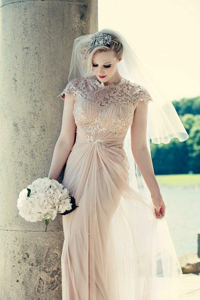 La-robes-de-mariée-pas-cher-robe-mariée-courte-ou-longue-bouquet-ronde