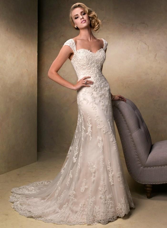Magnifique-robe-de-mariage-pas-cher-robe-de-mariee-pas-cher-blonde
