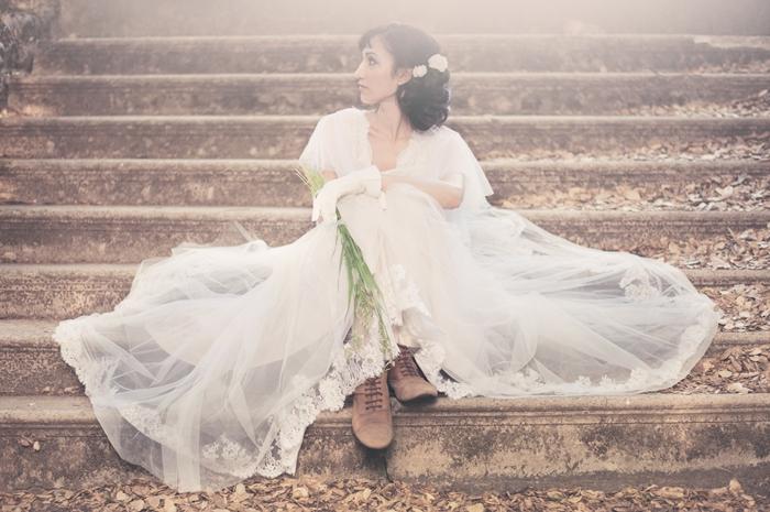 Magnifique-robe-de-mariage-pas-cher-robe-de-mariee-pas-cher-dentelle