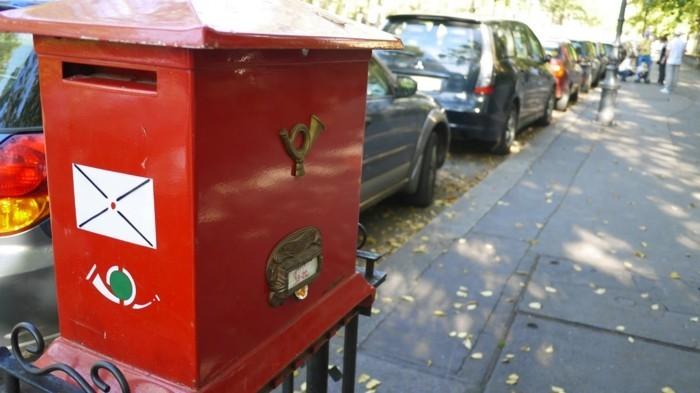 Recevoir-lettre-boites-aux-lettres-design-serrure-boite-aux-lettres-la-poste