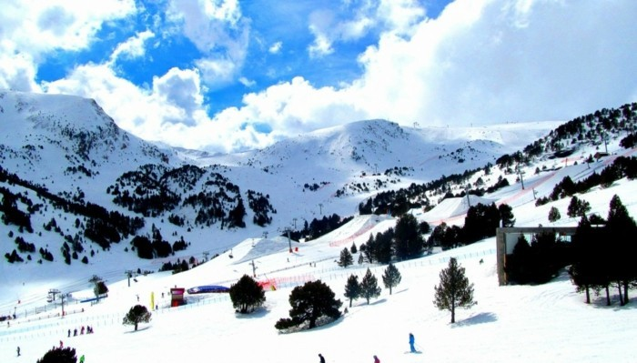 Ski-Andorra-Sejour-snowboard-vacances-ressorts-pas-cher
