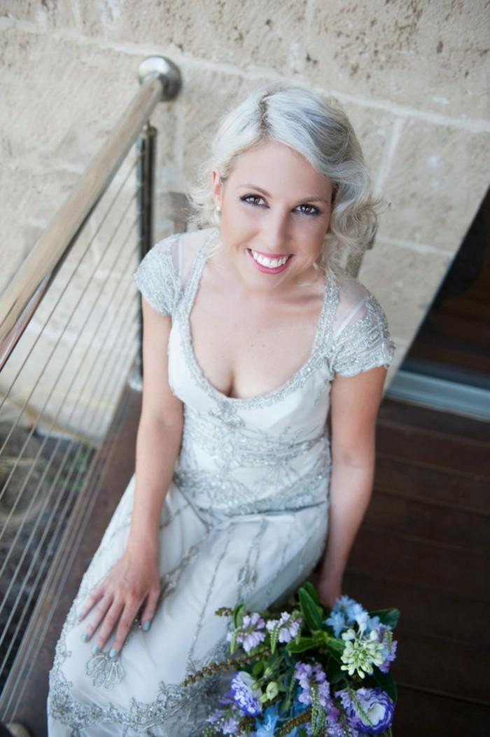 Vintage-robe-de-mariée-robe-mariée-vintage-tendance-bouquet