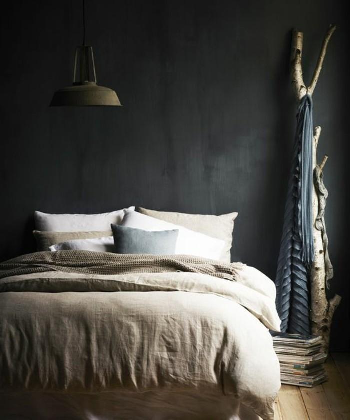 avec-quelle-couleur-associer-le-gris-mur-gris-sol-en-parquet-clair-planchers