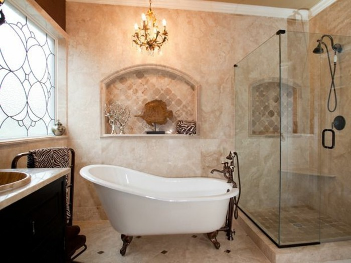 40 photos d 39 int rieur de la baignoire ancienne - Meuble de salle de bain retro ...