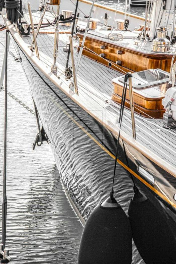 bateau-yot-le-ponant-voilier-yot-bateau-de-luxe-blanc-marron-beige-exterieur